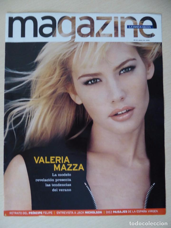RECORTE LA VANGUARDIA MAGAZINE (26-05-1996): PORTADA VALERIA MAZZA (CON CONTRAPORTADA) -CLIPPING (Coleccionismo - Revistas y Periódicos Modernos (a partir de 1.940) - Periódico La Vanguardia)