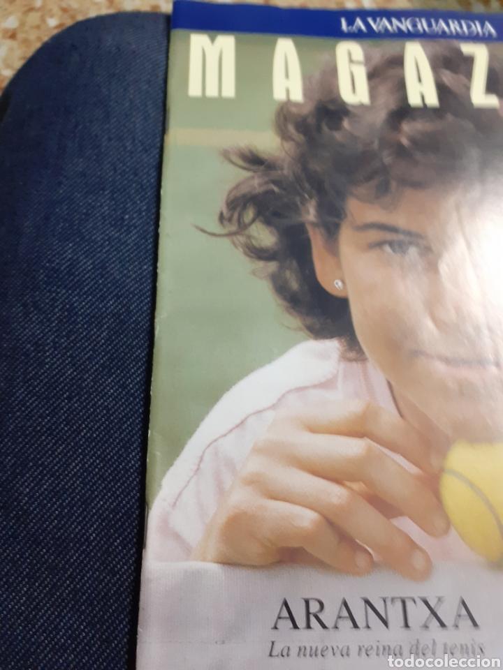 Coleccionismo Periódico La Vanguardia: Revista 5/1993 ARANTXA LA REINA DEL TENIS-ENTREV.-, PILAR MIRO, ELS TINATS, -COCINA DE PRIMAVERA-, M - Foto 3 - 194132770