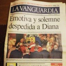Coleccionismo Periódico La Vanguardia: LA VANGUARDIA. SEPTIEMBRE 1997. FUNERALES LADY DI. Lote 195496725
