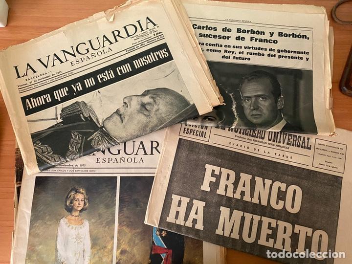 4 PERIÓDICOS DE LA TRANSICIÓN 1975 (MUERTE FRANCO - PROCLAMACIÓN REY JUAN CARLOS) (Coleccionismo - Revistas y Periódicos Modernos (a partir de 1.940) - Periódico La Vanguardia)