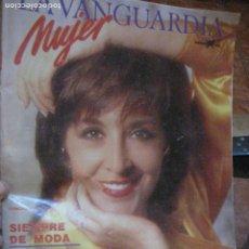 Coleccionismo Periódico La Vanguardia: SUPLEMENTO MUJER PERIODICO LA VANGUARDIA . 1986 . TERENCI MOIX . CONCHA VELASCO. Lote 240976285