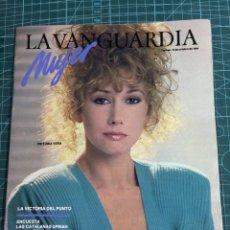 Colecionismo Jornal La Vanguardia: LA VANGUARDIA DOMINGO MUJER 12 DE OCTUBRE 1984. Lote 284163068