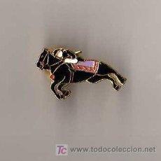 Pins de colección: PIN - JINETE HIPICA. Lote 6917692