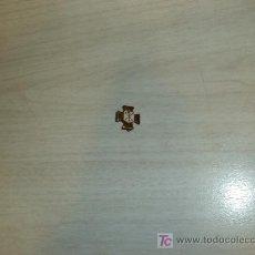 Sammlung von Pins - PIN EN METAL Y ESMALTE ,CRUZ - 7135815