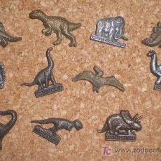 Pins de colección: 11 PINS DINOSAURIOS. Lote 16558795