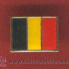 Pins de colección: LOTE DE 20 BANDERITAS TIPO PIN DE BELGICA. Lote 10957655