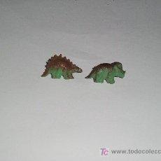 Pins de colección: 2 PINS DINOSAURIOS - . Lote 16923386