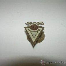 Pins de colección: ANTIGUA INSIGNIA C.F.B.. Lote 24867495