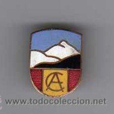 Pins de colección: INSIGNIA ESMALTADA ANTIGUA DE MONTAÑISMO - CA. Lote 19011345