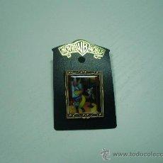 Pins de colección: PIN DE EL CONEJO DE LA SUERTE - BUGS BUNNY - EN SU BLISTER ORIGINAL - MOVIE WORLD - WRNER BROS. Lote 23701162