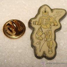 Pins de colección: PIN DE DIBUJOS ANIMADOS. ROBOT DE POWER RANGERS ? MAZINGER ? . . Lote 23716834