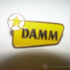 Pins de colección: ANTIGUA INSIGNIA.....CERVEZAS DAMM.. Lote 28431130