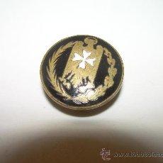 Pins de colección: ANTIGUA INSIGNIA ESMALTADA.. Lote 30152601
