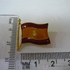 Pins de colección: PINS DE METAL , BANDERA DE ESPAÑA CON SIMBOLO DE FRANCO, AÑOS 70 - 80 . Lote 30688769