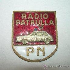 Pins de colección: ANTIGUA INSIGNIA ESMALTADA......RADIO PATRULLA....P.N.. Lote 31393882