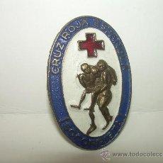 Pins de colección: ANTIGUA INSIGNIA....CRUZ ROJA.... SOCORRISTA.. Lote 32211307