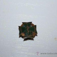 Pins de colección: ANTIGUO PIN LABORA POR TU PATRIA ESPAÑA. Lote 32311069