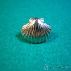 Pins de colección: PINS CONCHA DE PELEGRINO SANTIAGO DE COMPOSTELA. Lote 32489741