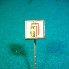 Pins de colección: ESCUDO DE SOLAPA AGUJA-PINS- CIUDAD ALEMANA. Lote 32490810