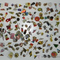 Pins de colección: LOTE DE MAS DE 150 PINS ANTIGUOS, PIN, TODOS LOS QUE SE VEN EN LAS FOTOGRAFIAS PUESTAS, PUBLICIDAD, . Lote 33817661
