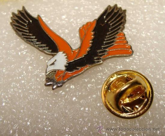 8415b5fc0fd pin de animales. bonita águila culebrera en vue - Comprar Pins ...