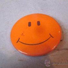 Pins de colección: PIN CHAPA GRANDE SMILE. Lote 35724886