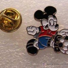 pin de dibujos animados mickey mouse departame  Comprar Pins