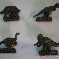 Pins de colección: 4 PINS DINOSAURIOS. EUDPLOCEPHALUS, TARBOSAURUS, GALLIMMUS, DILOPHOSAURUS. Lote 37716066