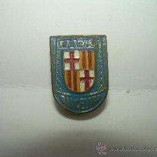 Pins de colección: ANTIGUA INSIGNIA..........RADIO BARCELONA.. Lote 38566897