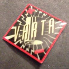 Pins de colección: PIN BATERIAS VARTA. Lote 39974133