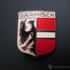 Pins de colección: ANTIGUO PIN INSIGNIA GARMISCH. Lote 40084320