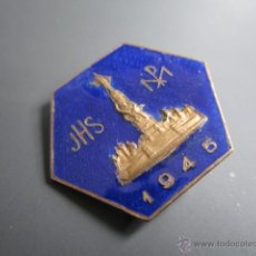 Pins de colección: ANTIGUO PIN RELIGIOSO, INSIGNIA JHS 1945. Lote 40084900
