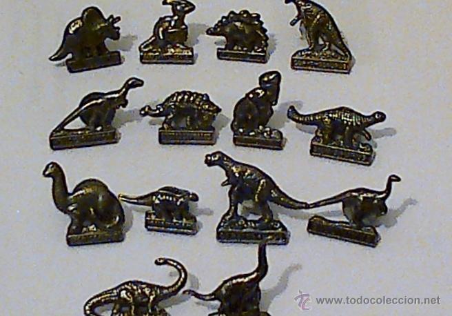 14 PINS METÁLICOS DE DINOSAURIOS, CADA UNO CON SU NOMBRE. (Coleccionismo - Pins)