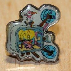 Pins de colección: PIN DE LOS PICAPIEDRA. METAL. PROYECTOR DE PELICULAS.. Lote 40946857
