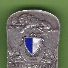 Pins de colección: INSIGNIA. BÜRGERMUSIK DER STAND LUZERN, SUIZA. FABR. PAUL KRAMER, NEUCHATEL, SIN FECHA.. Lote 40985690