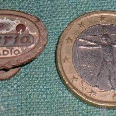 Pins de colección: INSIGNIA DE SOLAPA RADIO IBERIA. Lote 41232859