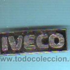 Pins de colección: PIN INSIGNIA DEL CAMIÓN O FURGONETA IVECO. Lote 41292222
