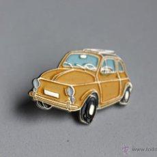 Pins de colección: PIN DE COCHES- SEAT 600 - AMARILLO. Lote 41713510