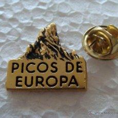 Pins de colección: PIN DE TURISMO. PICOS DE EUROPA, ASTURIAS. Lote 195144215