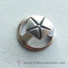 Pins de colección: INSIGNIA PIN DE OJAL DE PUBLICIDAD DEL COCHE CHRYSLER. Lote 42677554