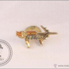 Pins de colección: ANTIGUA INSIGNIA PUBLICITARIA DE SOLAPA / OJAL - AEROLÍNEAS IBERIA - 23 X 9 MM - BANDERA DE ESPAÑA. Lote 42772330
