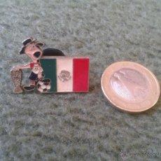 Pins de colección: BONITO PIN FUTBOL MUNDIAL DE MEXICO 1986 86 COPA DEL MUNDO TROFEO IDEAL COLECCIONISTAS. Lote 43008855