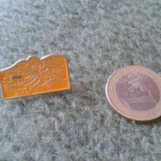 Pins de colección: BONITO PIN COLECCION PERIODICO EL PAIS. IDEAL COLECCIONISTAS. TENGO MAS PINS, VEAN MIS LOTES. Lote 43021985