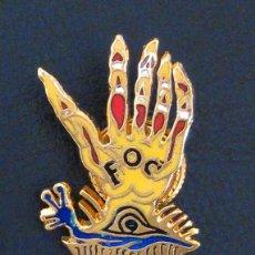 Pins de colección: ESPECTACULAR INSIGNIA ANTIGUA 1954 SALVADOR DALI DE FALLA DEL FOC VALENCIA PARADOR DEL FOC FALLAS. Lote 43341201
