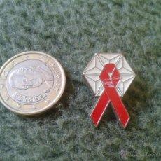 Pins de colección: BONITO PIN TENGO MAS PINS VEAN MIS LOTES IDEAL COLECCIONISTAS LAZO ROJO. Lote 43489326