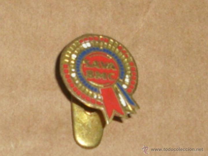 PIN INSIGNIA OJAL DE SAVA BMC CAMION MOTOR (Coleccionismos - Pins)