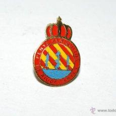 Pins de colección: PIN O INSIGNIA PENYA PERIQUITOS RIU DE CANYES DE BOTON AMERICANO. Lote 43921289
