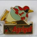 Pins de colección: PIN DE PUBLICIDAD AGRIGEL - PINGÜINO. HOCKEY SOBRE HIELO - MEDIDAS 19 X 15 MM - #PLS. Lote 44035807