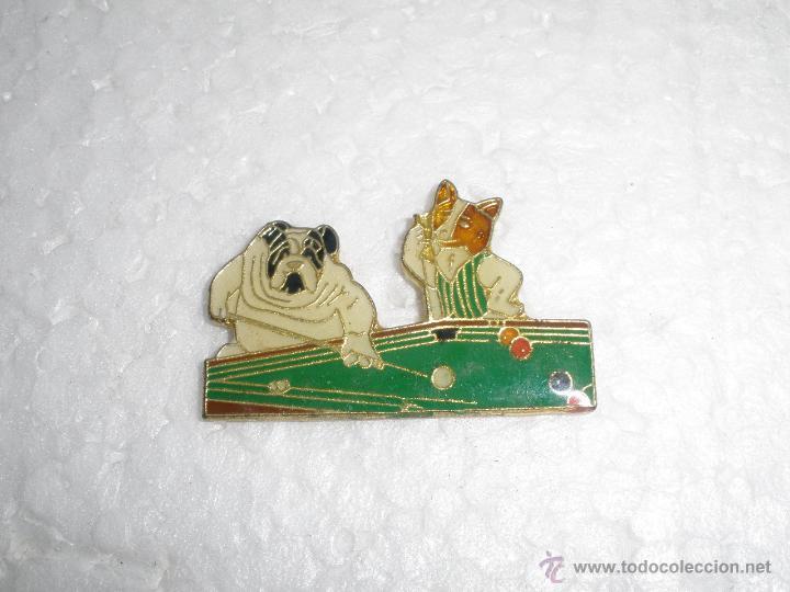 Pin Perros Jugando Al Billar Comprar Pins Antiguos Y De Coleccion