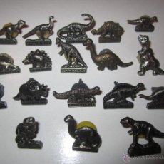 Pins de colección: LOTE 18 PINS DINOSAURIOS. Lote 45432327